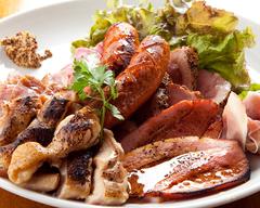 当店自慢の熟成肉・有機野菜・とすべて盛り込んだ渾身の一品。記念日や特別な日にご利用ください。