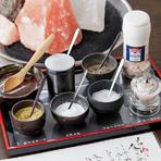 A-4クラスの黒毛和牛を塩・特製わさび・ポン酢・たまごだれで。