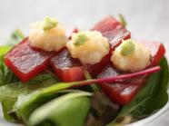 ねかせることで高まる魚の旨み『甘鯛炙りうにのせ(一例)』