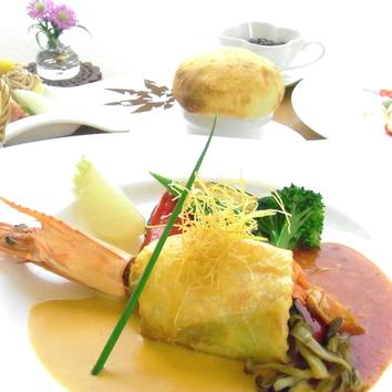 お魚料理コース【平日ランチタイムは1,820円税込でお得です!】