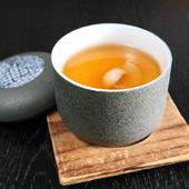 具に紀州梅干が入った茶碗蒸し