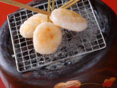富山湾でとれる白エビ200匹を贅沢に使った「福だんご」