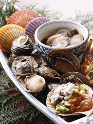 """活貝・海老料理""""満潮""""自慢の海賊焼きをお楽しみ下さい。"""