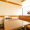 ご予約席もテーブル・お座敷と両方ご用意。