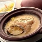 酔っ払い海老、あわび姿とフカヒレの姿煮、のどぐろのあっさり蒸し、海鮮おこげ等豪華食材を楽しめるコース