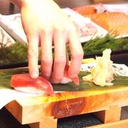 本格職人が握る江戸前ずしが、なんと驚きの62円から。お腹も心も満たされること間違いなし。