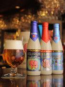 当店のシンボル、ピンクの象のビール『デリリウム・トレメンス』