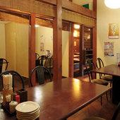 とりとり亭 港店は、ご家族での食事にも最適です。