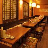 ベンチシートのテーブル席は、宴会から少人数での飲み会にも最適