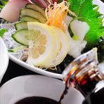 新鮮魚介類などもご用意、お好きなドリンクと味わって