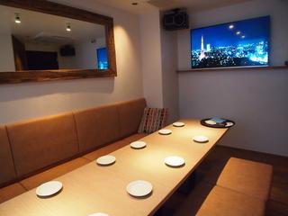 【カラオケ個室】最新カラオケ機器完備 4階フロア
