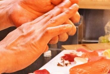 新鮮なネタを熟練の職人が真心を込めて握る絶品本格江戸前寿司