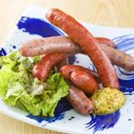 お子様にも人気な牛タンソーセージなどの創作料理も御座います。