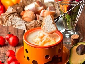 女性に嬉しい食べるサプリ。ガーデンファーム特製『とろ~りチーズフォンデュ』~産直野菜パフェ付き~