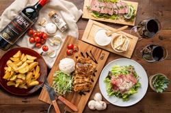 ローストビーフ・生ハム・チキングリルなど前菜からメインまで当店名物の本格肉バルメニューを集めました
