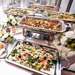 ビュッフェからコースまでご予算に応じてお料理を提供いたします