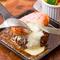 熱々!! とろけるラクレットチーズと黒毛ハンバーグのスキレット