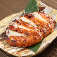 贅沢たまごダブル使いでふわふわとろ~り『塚だまと地鶏の親子丼』