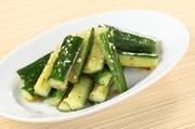 たまごとアボカドに蟹の旨味が加わった北海道塚田的、贅沢サラダです。 ※たまごは地鶏の卵ではありません