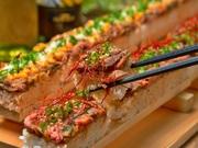 シャキシャキの新鮮野菜にバンビーナの自家製ローストビーフをたっぷりトッピング!ボリュ~ミ~なのにさっぱり食べれる女性に人気の肉サラダです♪