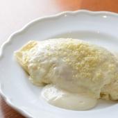 話題の『純白のオムライス』黄身が真っ白な鳥取の卵を使用
