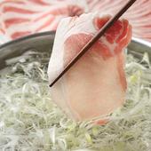 「宮崎県産霧島黒豚」を使用。様々な豚料理を提供しています