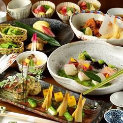 日本酒によく合う肴が味わえるさくまの宴会コース。 接待・会食 各種ご宴会に。