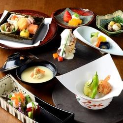 新鮮な造里や肉料理が味わえるさくまの宴会コース。 接待・会食 各種ご宴会に。