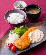 【お料理内容】 チキン南蛮 味噌汁 香の物 ご飯