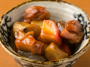 売切御免のイチオシ、本店【万作】の伝統の一品『旨煮』