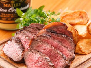 クレープリーだけじゃない こだわりの肉料理も堪能できます