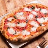 プーリア産トマトのソース バジル 水牛モッツァレラ