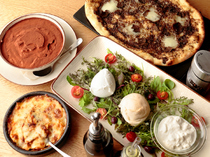 モッツァレラチーズをふんだんに使った料理の数々