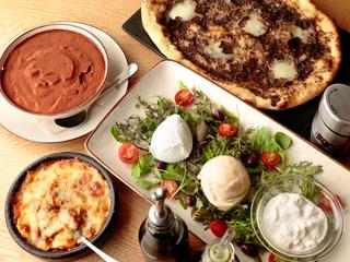 フレッシュ・モッツァレラチーズがメインの華やかなイタリアン