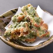 桜肉の旨味が際立つ斬新な一品。薬味の独特な刺激と味噌の甘辛さが合わさり、口いっぱいに広がります!