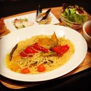 季節野菜ゴロゴロペペロンチーノ