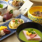 2人の門出を祝う、両家のお顔合わせや結納の席。人生における大切な時を過ごすのにふさわしい、伝統と格式ある空間と匠の技術が光る美しい日本料理の数々は、喜びの席に華を添えます。ご予算なども相談可能です。