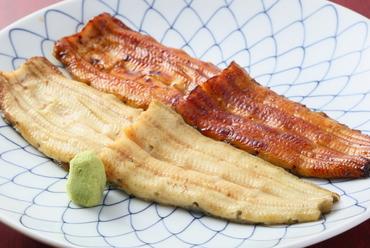 二種類の味わいを一皿で楽しめる『源平焼』