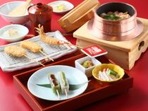 小鉢がたくさんついて様々な料理が楽しめる『福コース』