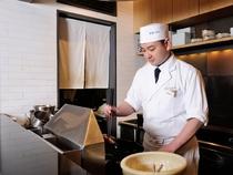 天ぷらの揚げたてを適切なタイミングで提供