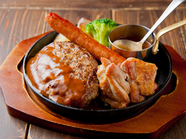 洋食の王道! ボリューミーで贅沢な一皿『MIXグリル』