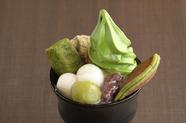 4大抹茶スイーツを可愛らしく載せて頂く『抹茶 翠泉パフェ』