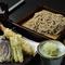 京都の四季を楽しめる『海老と旬野菜の天ぷらせいろそば』