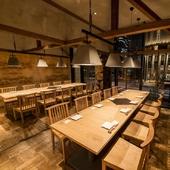 各種宴会や接待、会食に。人数に合わせて利用できるテーブル個室