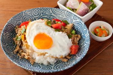 純和風の味付けが優しい野菜たっぷり『和ガパオライス』