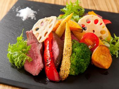 『牛ザブトン肉と野菜のソテー ニンニクと生姜の香味ソース』