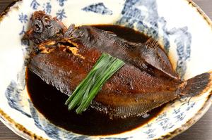 旬の海の幸をこだわりの調味料で調理『博多長浜漁港直送 鮮魚の煮付け』