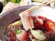 奥深い味わいの『スペイン産ラルポークの赤ワイン鍋』