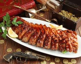 BBQソースで甘くてしっかりしたお肉を堪能『パイレーツBBQベビーバックリブ』
