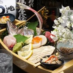 鮮魚のお宝舟盛り、和牛炙り、海鮮ホイル焼き、特上握りなど。3時間飲み放題【オーダーストップ30分前】